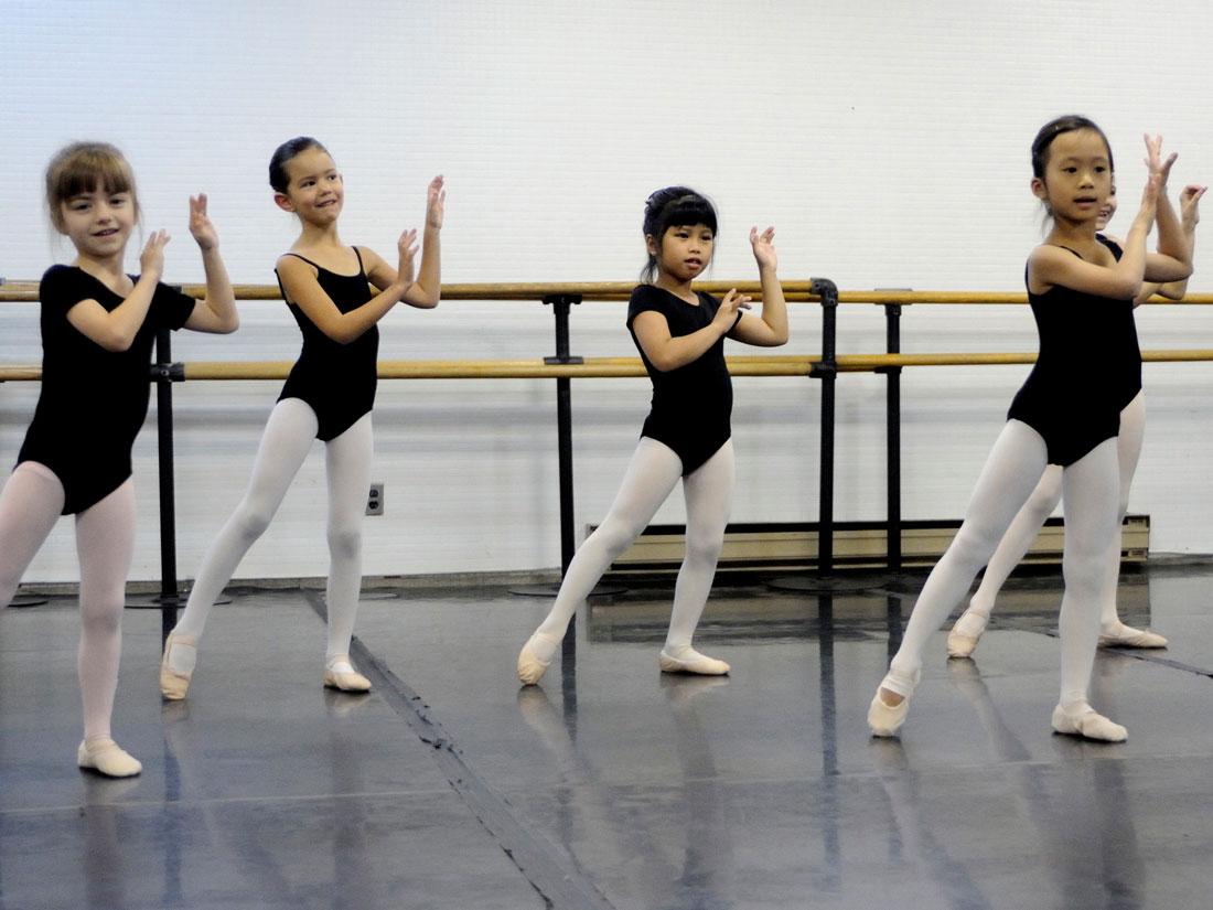 Ballet Divertimento - Galerie jeunesse 1